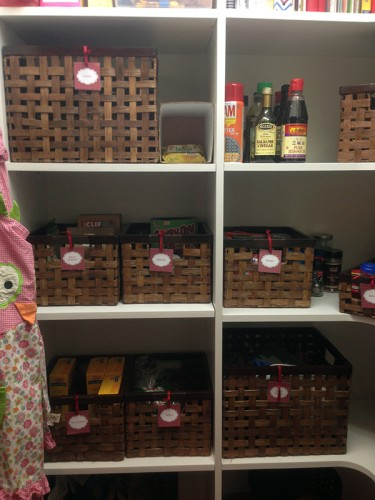 pantry-shelves-organized-housewife